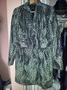 "Fashionable ""Mango"" soft coat/jacket size L, great condition"