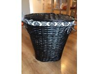 Black wicker laundry basket, removable lining.