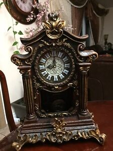 Beautiful table clock with antique look like new