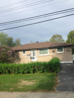5 BEDROOM WITH IN - LAW SUITE !!! NEW SUDBURY