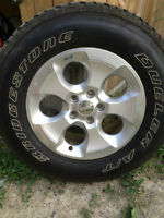 original 2014 jeep tires and rims Dueler 255/70R/18
