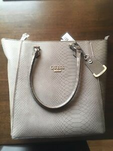 Brand new Guess Purse  London Ontario image 1