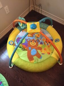 Play mat with mobile London Ontario image 2