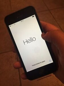 iPhone 5s 16gb new with plastic + Apple care till November 2017