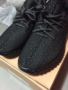 YEEZY 350 BOOST PIRATE BLACK SIZE 10 (replica) DEADSTOCK London Ontario image 5