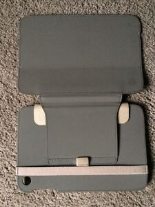 Case logic iPad mini case