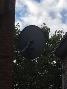 2 Satellite dishes Cambridge Kitchener Area image 3