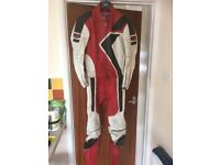 Motorcycle 2 piece leather suite Weisse 38""