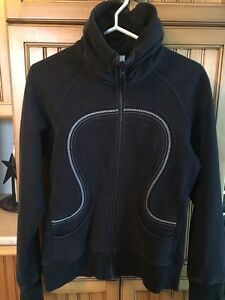 Lululemon sweatshirt for women's. Size 8