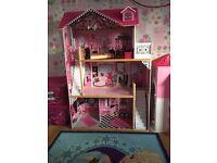 Amelia doll house
