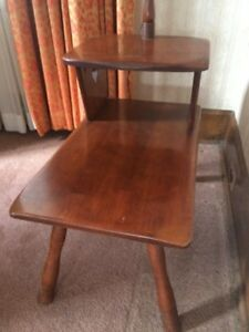 Solid maple end table with lamp, Cushman, Vermont. London Ontario image 4