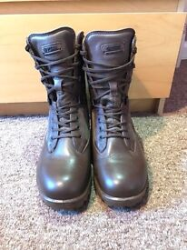 YDS Kestral Army Boots Size 8, BRAND NEW