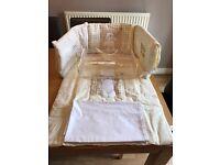 Crib set in cream
