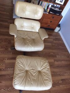 Vintage replica Eames lounge chair & ottoman  Kitchener / Waterloo Kitchener Area image 2