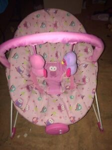 BRAND NEW BABY BOUNCER