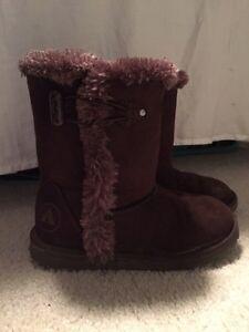 Girls boots Regina Regina Area image 1