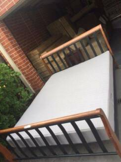 like new queen metal / wooden size bed+ used mattress, can delive