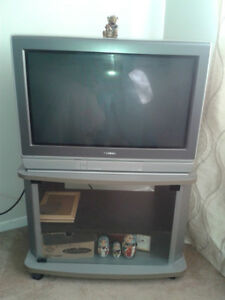 Toshiba television and its stand/1Television avec son meuble