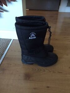Brand New size 9 men's/youth winter boots