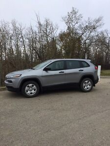 2014 Jeep Cherokee Sport-Low KM!