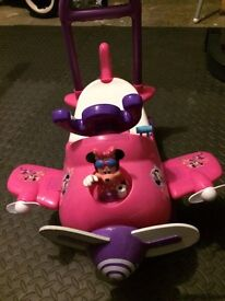Minnie Mouse Ride on Plane