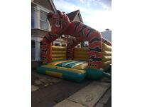 Bouncy castle 18ft by 18ft