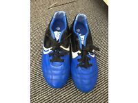 Boys football boots size 13(kids£