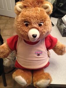 Teddy Ruxpin 1985 talking plush