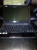 ACER 532h-2242 Notebook (like new in box)