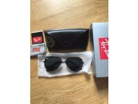 BRAND NEW AND GENUINE RAYBAN AVIATORS