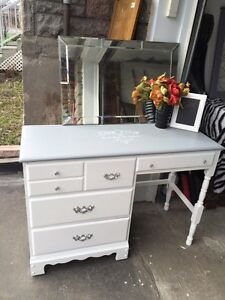 """GORGEOUS Vanity/Desk- with 4 drawers- 43""""x30""""x17""""-"""
