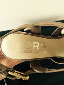 KORS by Michael Kors sandals 6.5 Windsor Region Ontario image 3