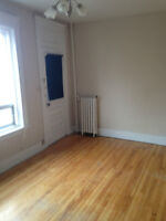 Bachelors starting at $675 - up to 2 months FREE! - 312 Cooper