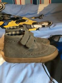 Marks and Spencer's boys shoes £8