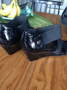 Cute Wedge Sandals, Sam and Libby, great condition, size 9,$8 Kitchener / Waterloo Kitchener Area image 4