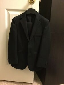 Boys suit size 8 Cambridge Kitchener Area image 1