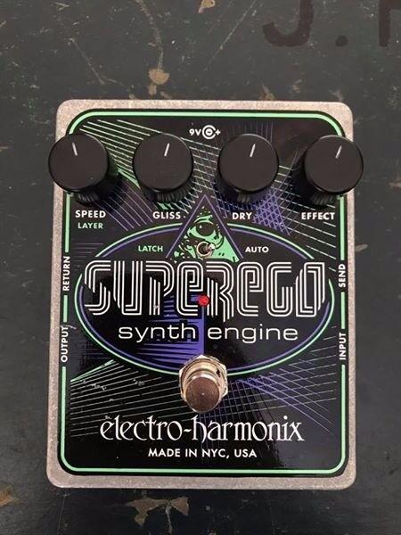 Electro-Harmonix SUPEREGO synth engine pedal