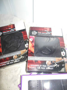 Accessory packs for guitars, (12 picks, strap, pitch pipe) London Ontario image 10