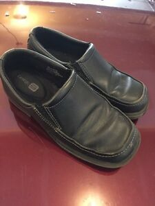 Boys Dress Shoes Size 1 - EUC