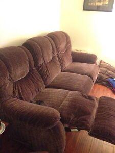 Lazy Boy double recliner couch  Edmonton Edmonton Area image 2