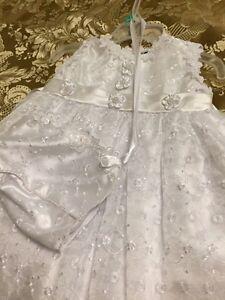 Beautiful communion dress size 9 months like new London Ontario image 5