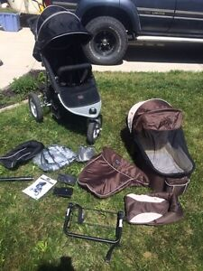 Valco Runabout Tri Mode stroller with accessories