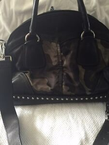 Authentic army Prada purse with studs West Island Greater Montréal image 4