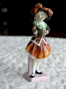 Royal Doulton Figurine-Pearly Girl (HN1483) Kitchener / Waterloo Kitchener Area image 2