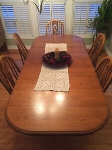 Dining room harvest table and chairs Kingston Kingston Area image 1
