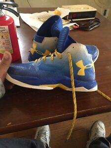 Kids size 7y curry 2.5  London Ontario image 1