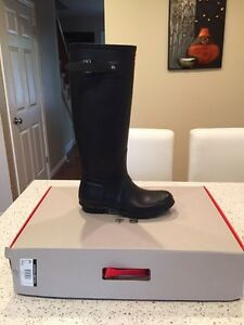 Brand New Hunter Rain Boots in box! Size 8 never Used!