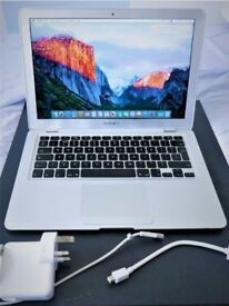 Fully Working 2009 Apple MacBook Air 13 inch