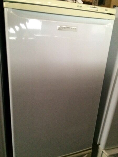 White frigidaire undercounter refrigerators good condition with guarantee bargain