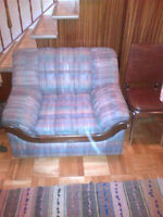 MATERIAL SOFA 44 INCHES, SEATS ONE PERSON